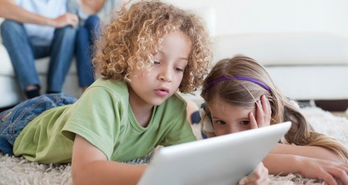 Kids on iPad