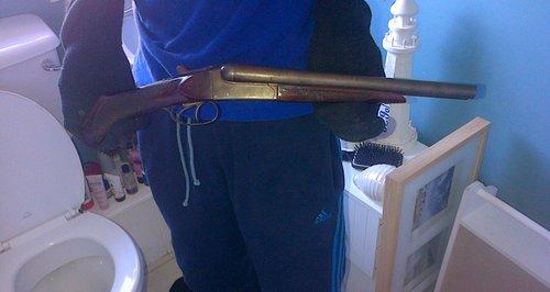 Luton Gun Picture