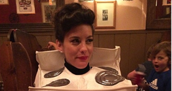 Liv Tyler dressed as an oven