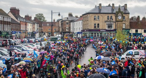 Tour De Yorkshire Crowds Thirsk