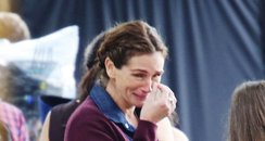 Julia Roberts crying on set filming