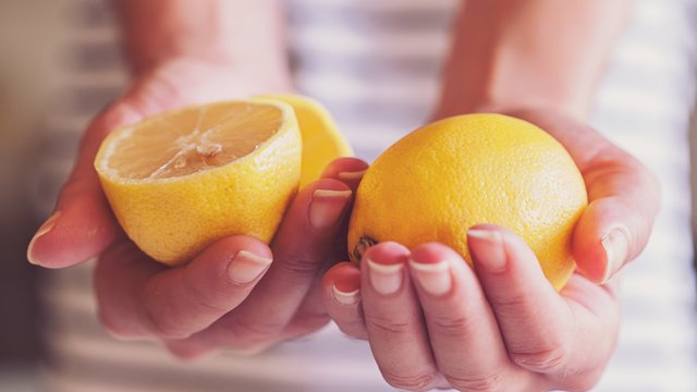 This Picture Of Lemons Perfectly Shows How You Can Spot Breast Cancer
