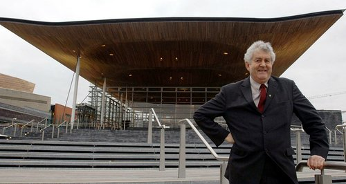 Rhodri Morgan outside the Senedd